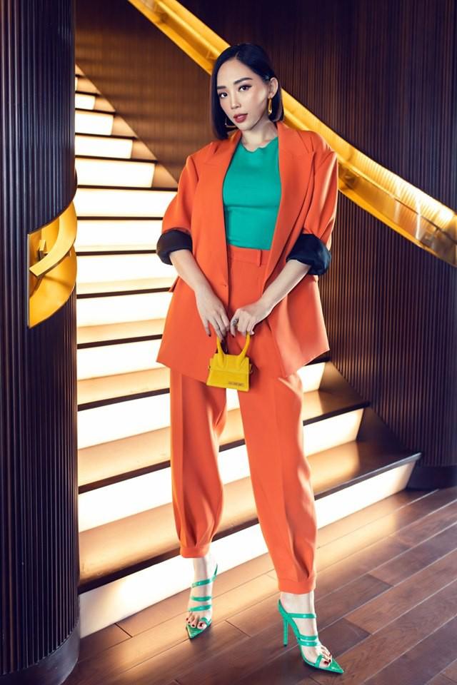Cùng là 1 trang phục siêu khó nhằn: Tóc Tiên chơi màu cao tay mà Khánh Linh phối đồ cũng chuẩn - Ảnh 3.