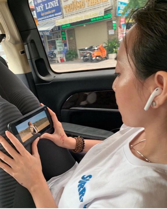 Trời ơi, tin được không? đến Hoa hậu Đặng Thu Thảo, Thu Trang cũng gia nhập hội fangirl của Sơn Tùng M-TP rồi này! - Ảnh 4.