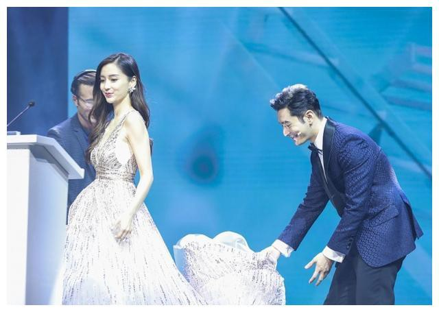 Nối gót Song Song và Băng - Thần, Angela Baby và Huỳnh Hiểu Minh chuẩn bị công khai tin ly hôn? - Ảnh 3.