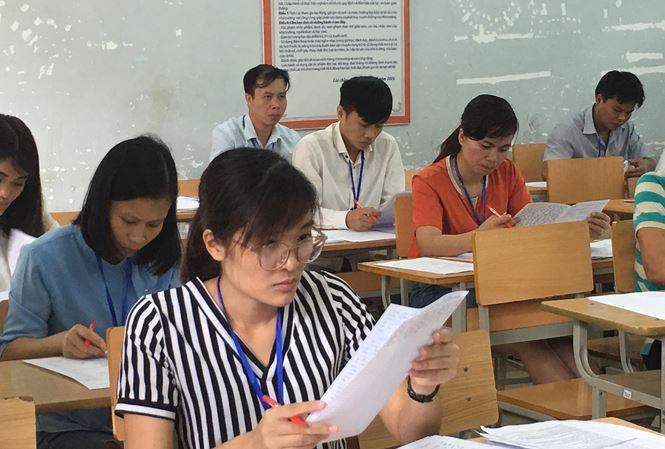 Chấm thi THPT quốc gia: Không có nhiều điểm cao môn Ngữ văn - Ảnh 1.