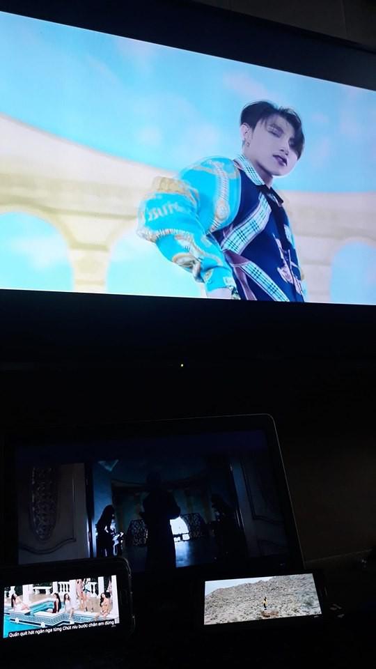 Vẫn là đẳng cấp fan Sơn Tùng: Lôi hết điện thoại máy tính ra cày view cho sếp bất chấp ngày đêm - Ảnh 11.