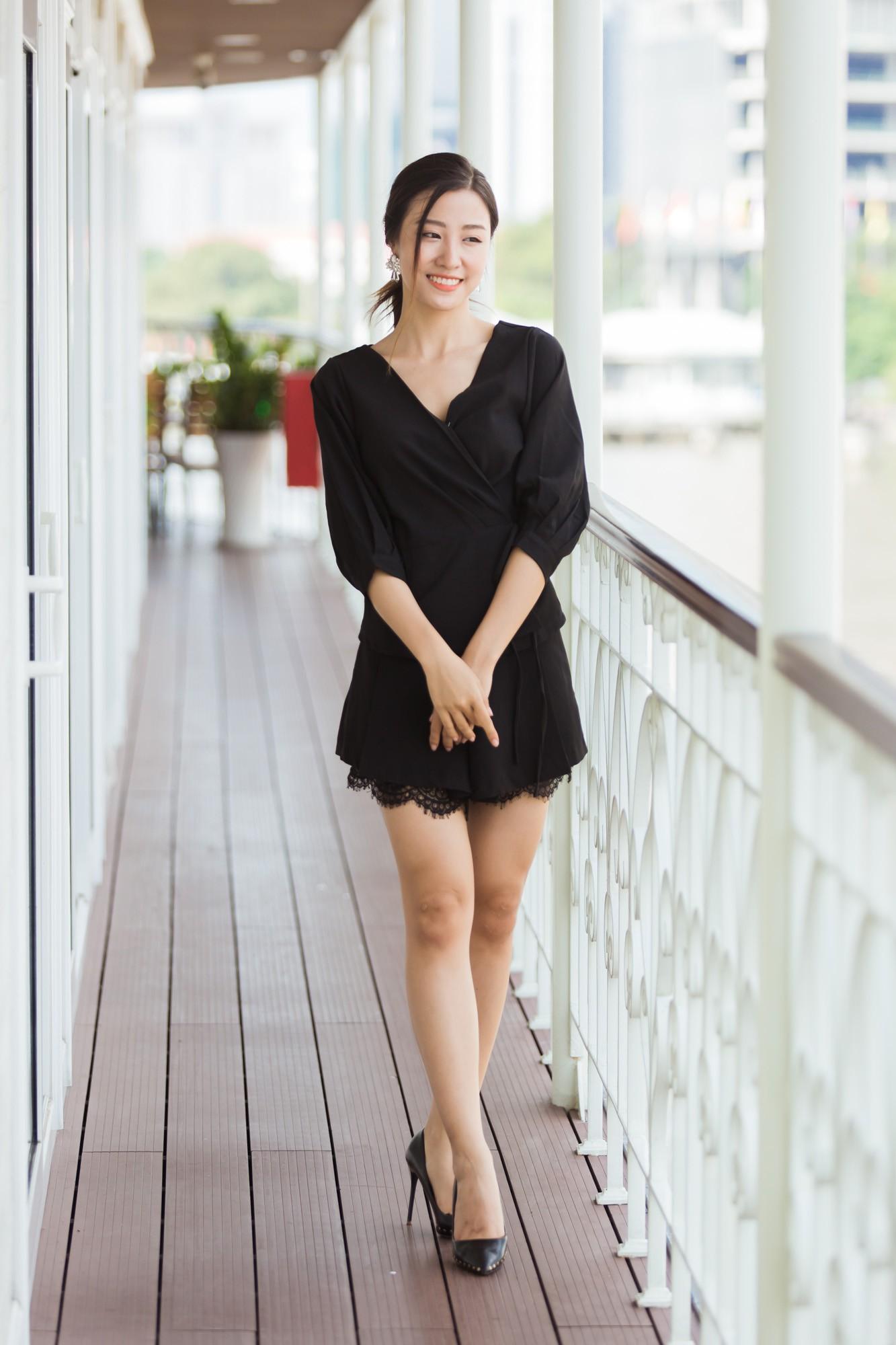 Từ cô Hoa hậu bị hoài nghi, Tiểu Vy hôm nay đứng trước Top thí sinh Miss World đầy bản lĩnh và thần thái - Ảnh 17.