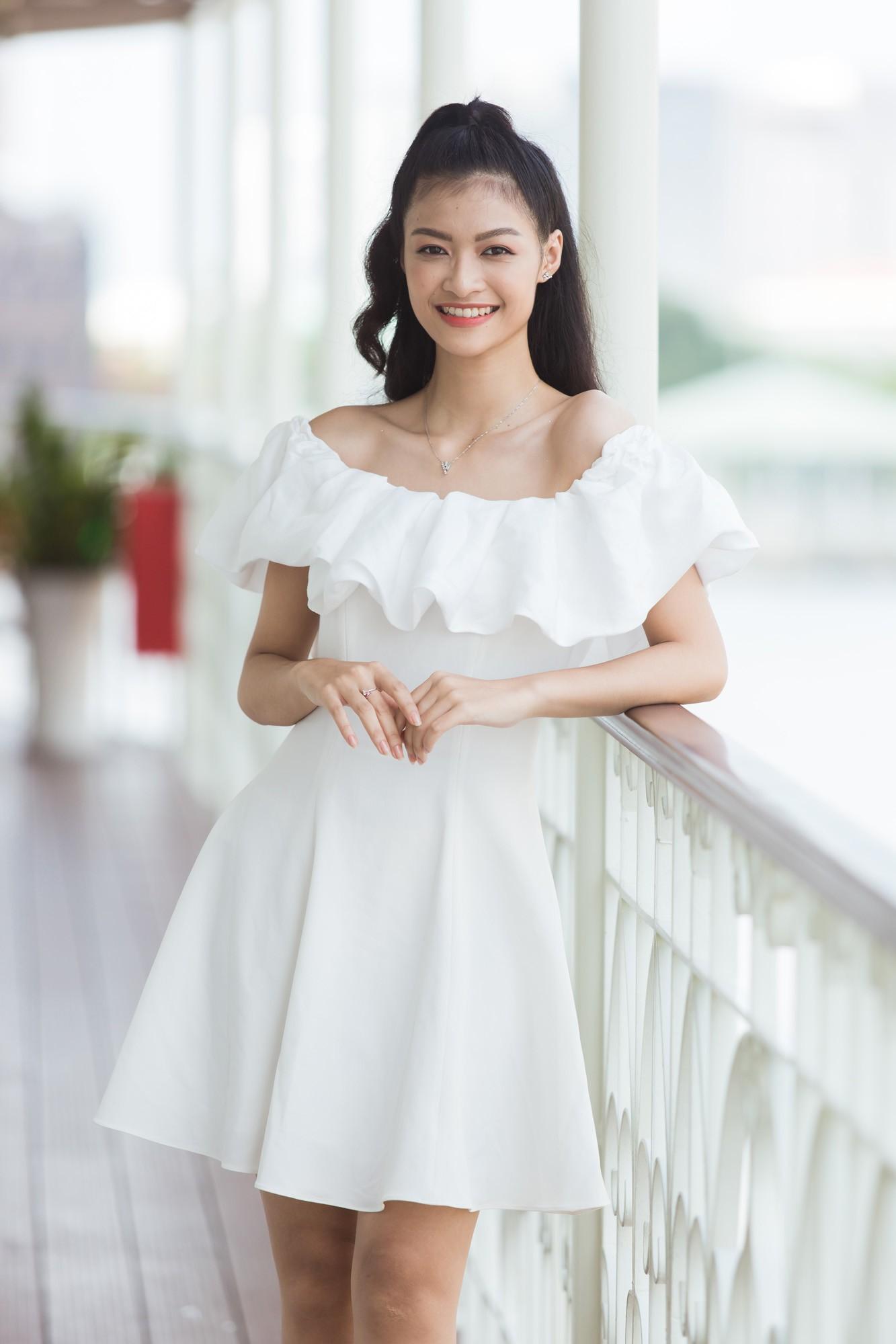 Từ cô Hoa hậu bị hoài nghi, Tiểu Vy hôm nay đứng trước Top thí sinh Miss World đầy bản lĩnh và thần thái - Ảnh 13.