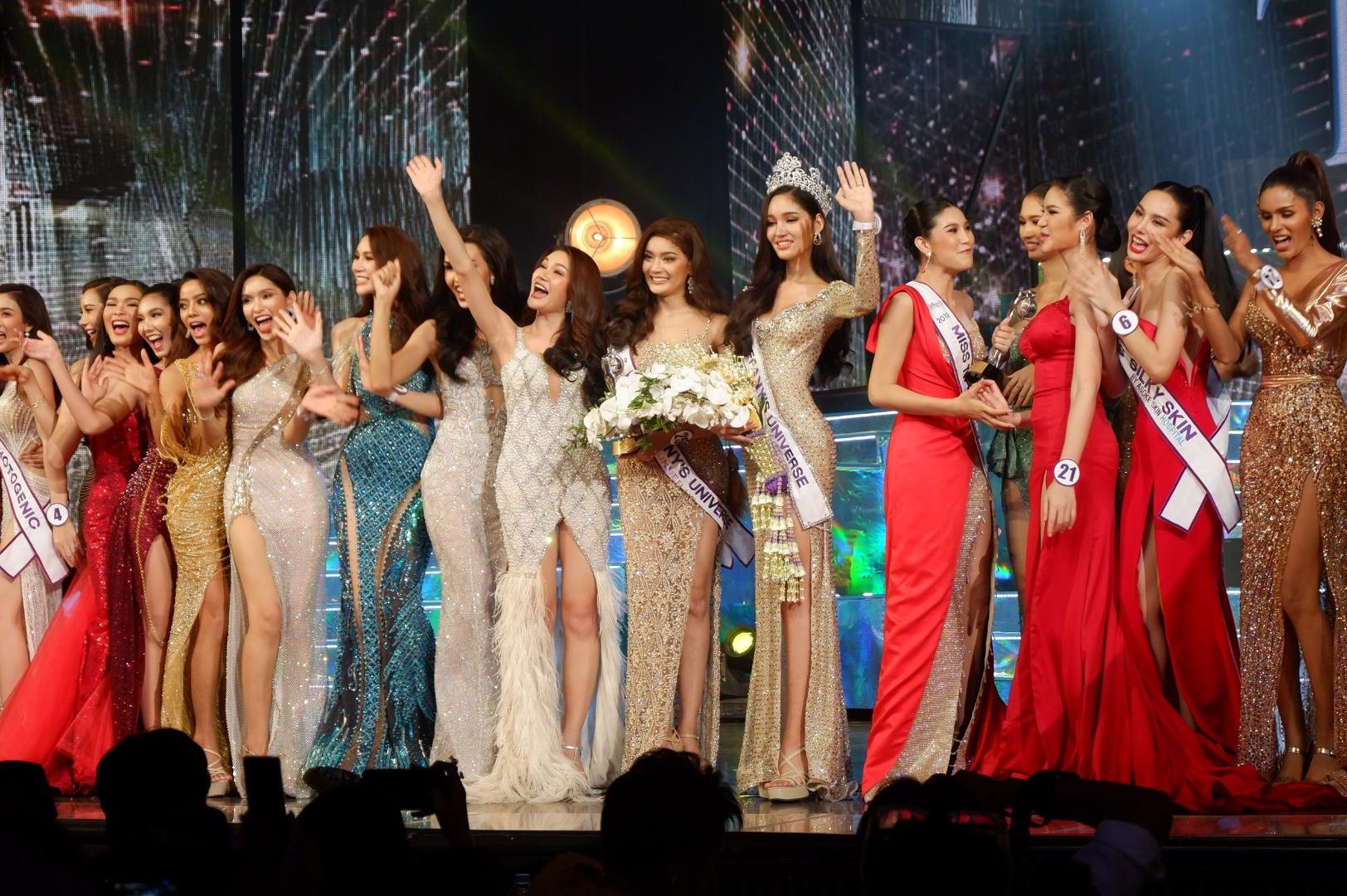 Mỹ nhân vừa đăng quang Hoa hậu Chuyển giới Thái: Cao 1m74, body cực nóng bỏng chẳng kém gì siêu mẫu - Ảnh 2.
