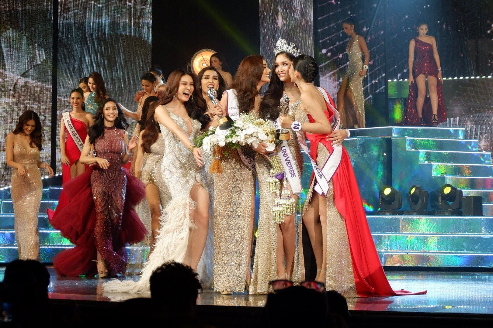 Mỹ nhân vừa đăng quang Hoa hậu Chuyển giới Thái: Cao 1m74, body cực nóng bỏng chẳng kém gì siêu mẫu - Ảnh 7.
