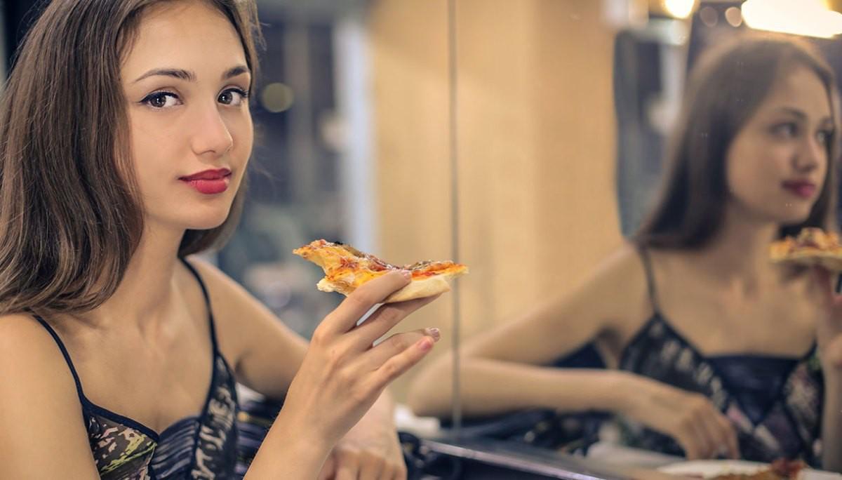 Kết quả hình ảnh cho Ăn uống trước gương