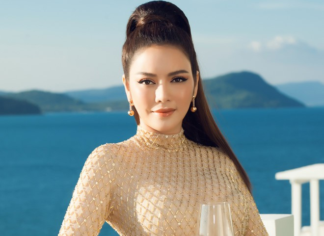 You know the distance is farthest, the distance between the sky and the region from the stage name to the true name of the Vietnamese star - Figure 1.