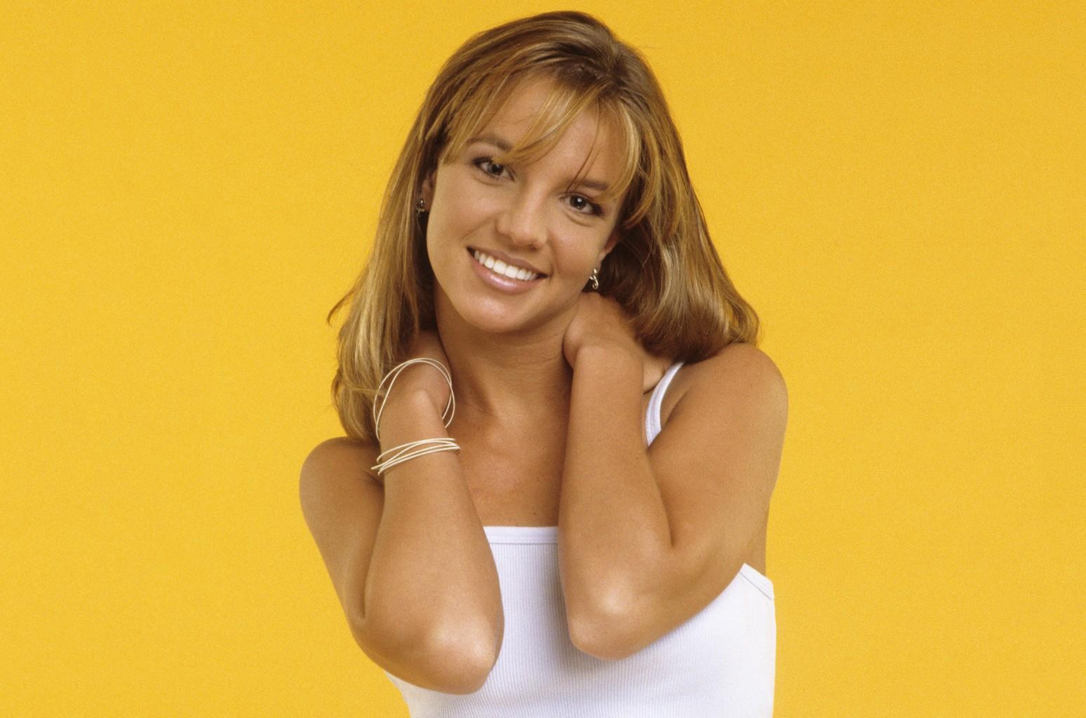 Trải qua gần 30 năm, đây là 5 nữ nghệ sĩ bán album chạy nhất tại Mỹ mà bạn không thể không biết tới - Ảnh 2.