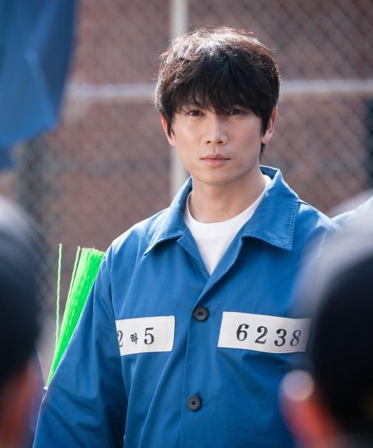 Ji Sung khiến các thánh khẩu nghiệp Hàn trầm trồ trước diễn xuất quá đỉnh: Anh ấy rất đẹp trai, đôi mắt thật điên dại! - Ảnh 2.