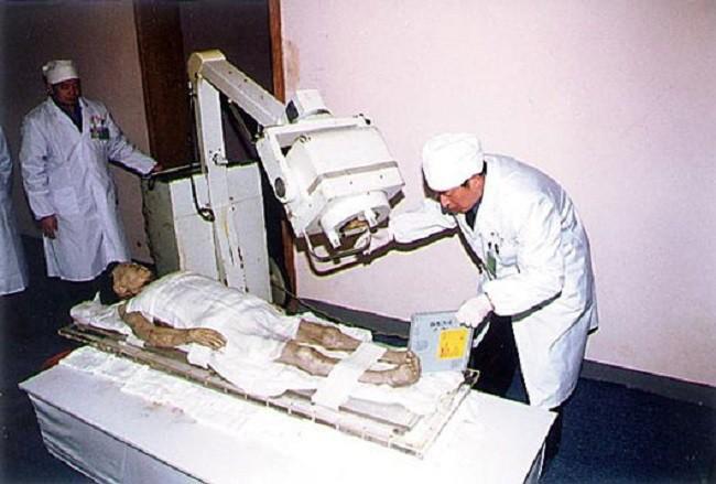 Câu chuyện bí ẩn về xác ướp vị phu nhân Trung Hoa kỳ lạ nhất thế giới: 2.000 năm tuổi da vẫn mềm, tóc vẫn xanh, có máu chảy trong tĩnh mạch - Ảnh 7.