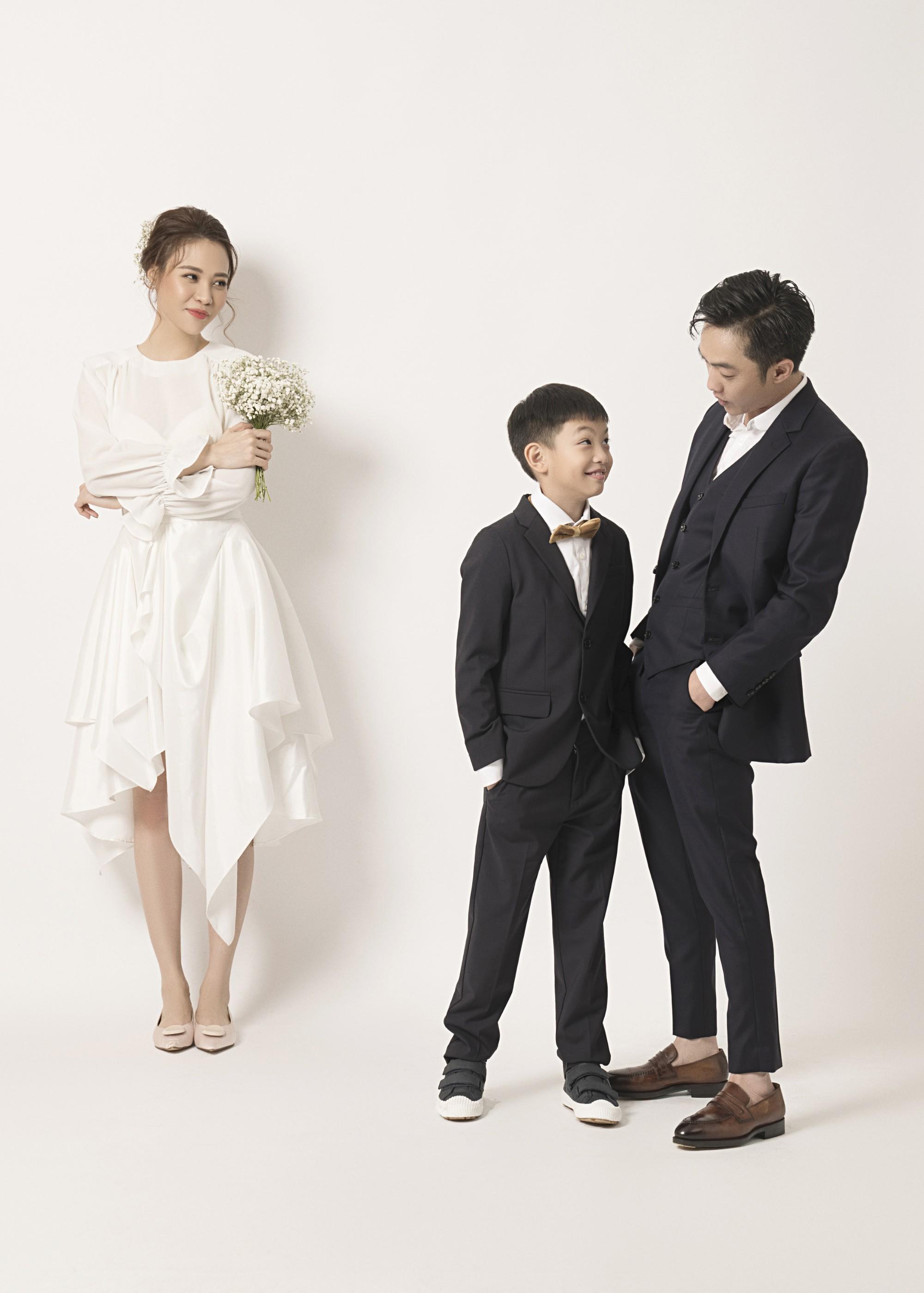 Hé lộ thêm ảnh cưới của Đàm Thu Trang và Cường Đô La trước ngày trọng đại: Quá ngọt, cô dâu thay tới 8 trang phục khác nhau - Ảnh 4.