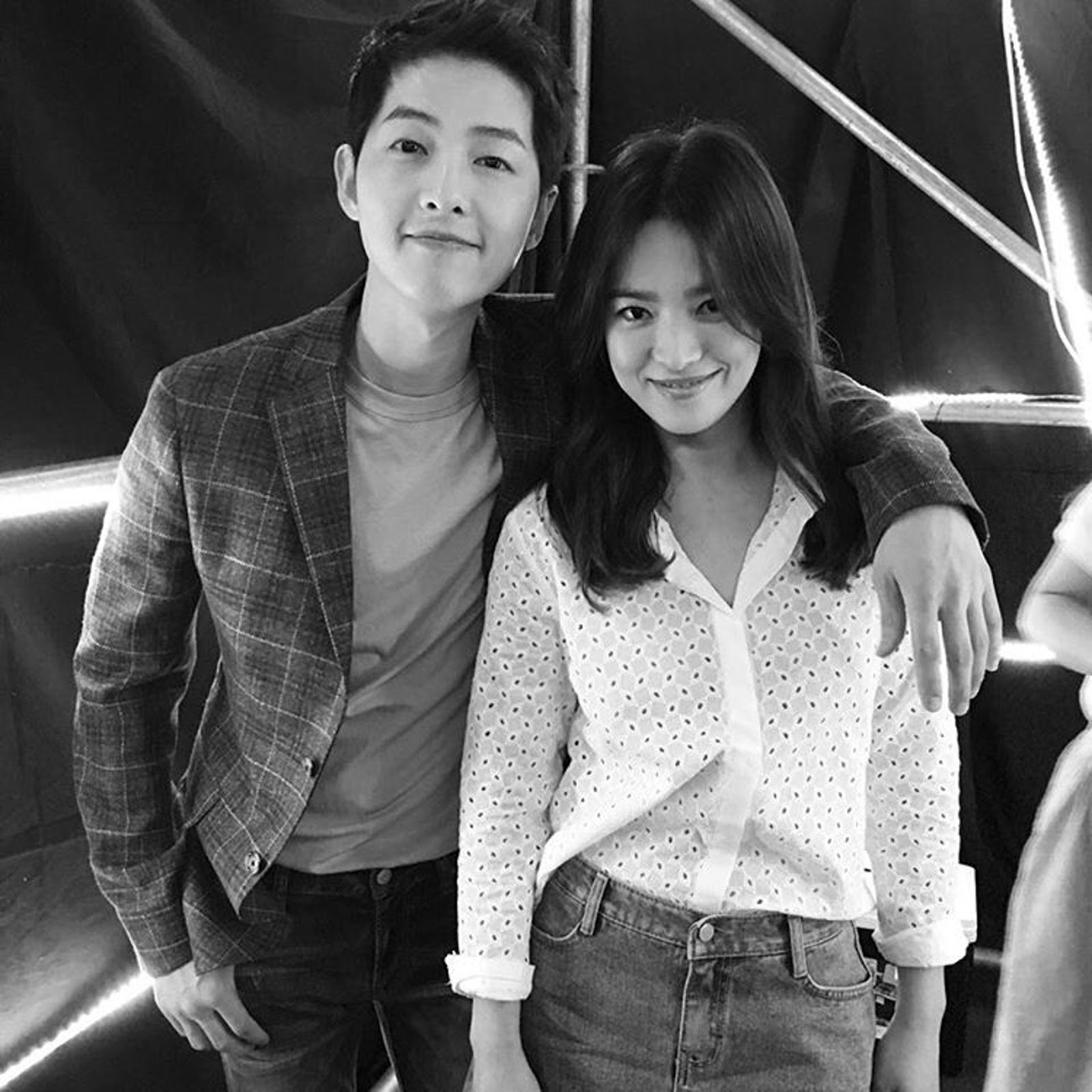 Chính thức ly dị, Song Hye Kyo đã có động thái đầu tiên: Khai tử ảnh cưới, toàn bộ dấu vết về chồng trên Instagram - Ảnh 9.