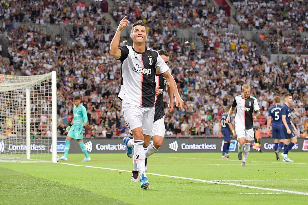 Chỉ bằng hành động cực nhỏ trong một giây nán lại, Ronaldo đã khiến các anti-fan nói anh ích kỷ phải hoàn toàn câm lặng - Ảnh 1.