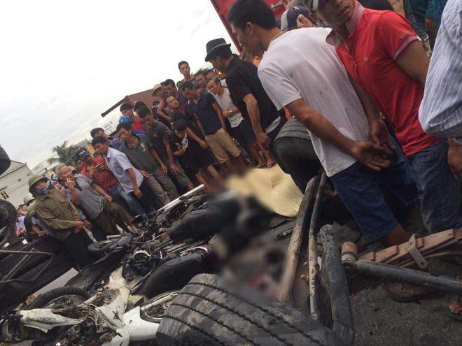 Ảnh: Hiện trường đầy ám ảnh vụ tai nạn khiến ít nhất 6 người tử vong tại Hải Dương - Ảnh 4.