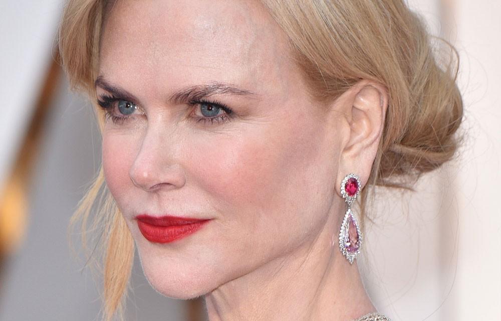 52 tuổi, Nicole Kidman vẫn là đại mỹ nhân Hollywood với làn da căng bóng, nhưng bí kíp chống lão hóa của cô lại rất đơn giản - Ảnh 1.