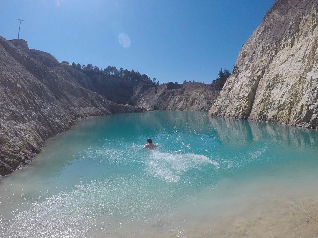 Sốc: Nhập viện hàng loạt sau khi bơi, hồ nước xanh lam nổi tiếng Tây Ban Nha này chính là hiểm họa với du khách - Ảnh 10.