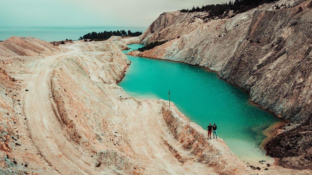Sốc: Nhập viện hàng loạt sau khi bơi, hồ nước xanh lam nổi tiếng Tây Ban Nha này chính là hiểm họa với du khách - Ảnh 5.