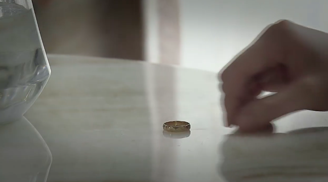 Giả thuyết Về Nhà Đi Con: Dụng ý thật sự của Thư khi chọn mua chiếc nhẫn cưới giản dị nhất tiệm kim hoàn là gì? - Ảnh 6.
