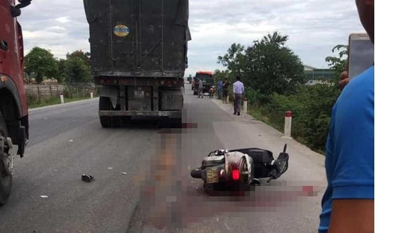 Cô giáo đi xe máy bị xe tải cán tử vong thương tâm - Ảnh 1.