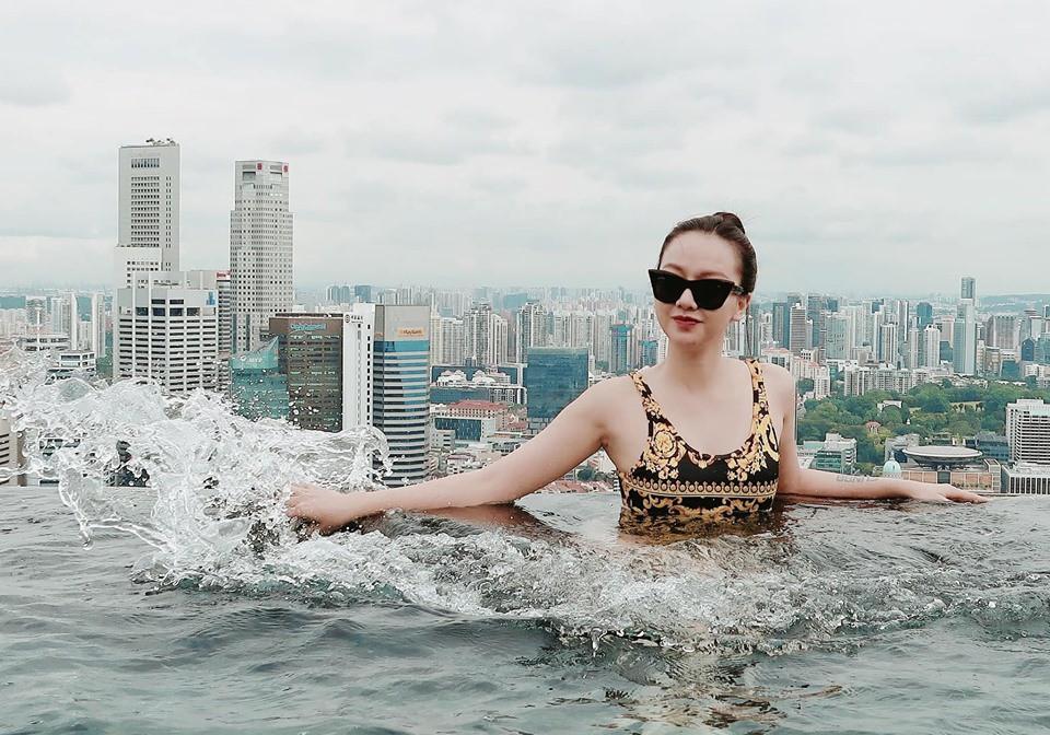Hội bạn toàn mỹ nhân của Trang Pháp diện áo tắm khoe body cực nuột tại đảo quốc sư tử - Ảnh 6.