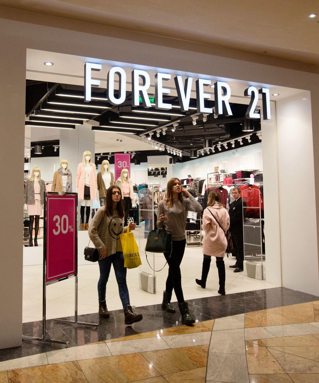 Cứ nghĩ là chu đáo nhưng hóa ra lại kém duyên: Forever 21 tặng kẹo ăn kiêng cho khách mua đồ big size và bị ăn gạch - Ảnh 1.
