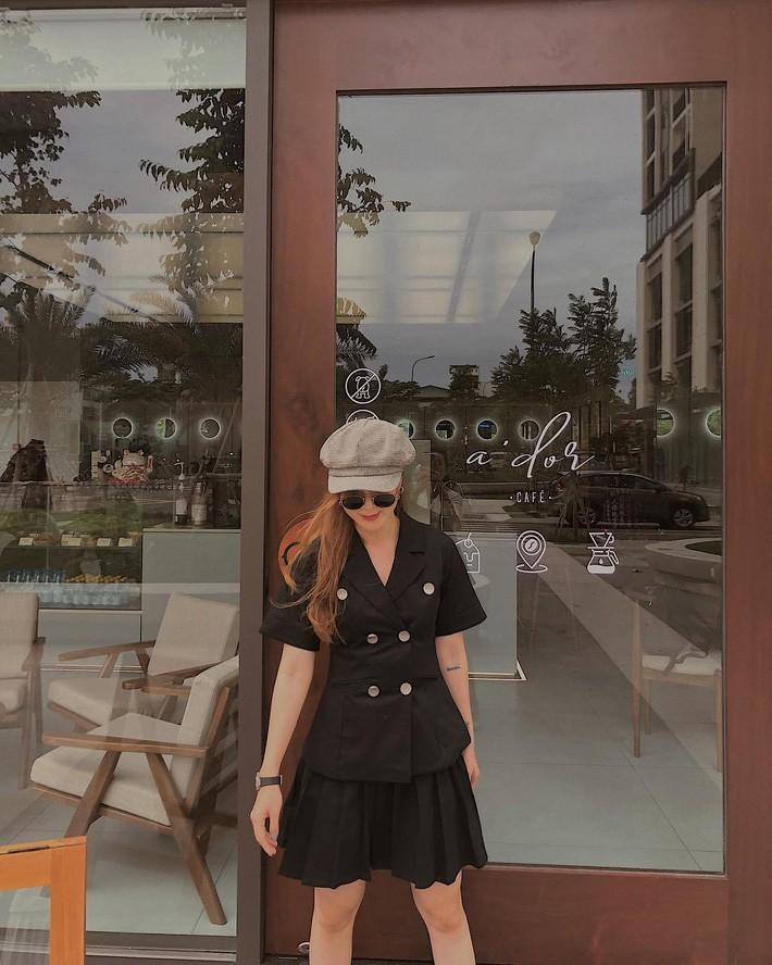 Street style sao: Quỳnh búp bê diện áo khoét cả mảng lưng, Bảo Thanh hack tuổi trẻ như nữ sinh với tóc tết 2 bên - Ảnh 11.