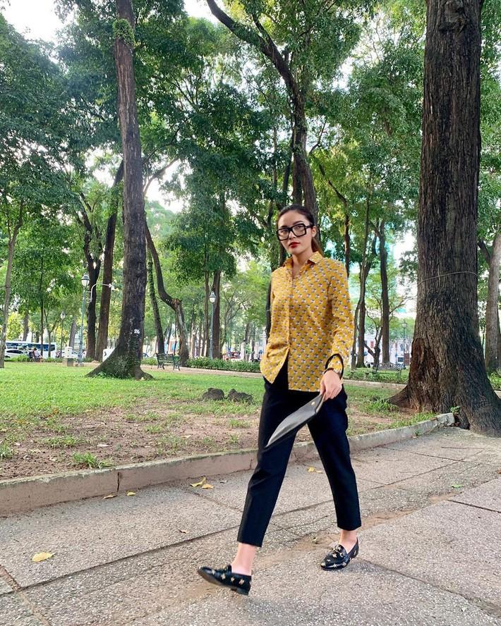 Street style sao: Quỳnh búp bê diện áo khoét cả mảng lưng, Bảo Thanh hack tuổi trẻ như nữ sinh với tóc tết 2 bên - Ảnh 5.