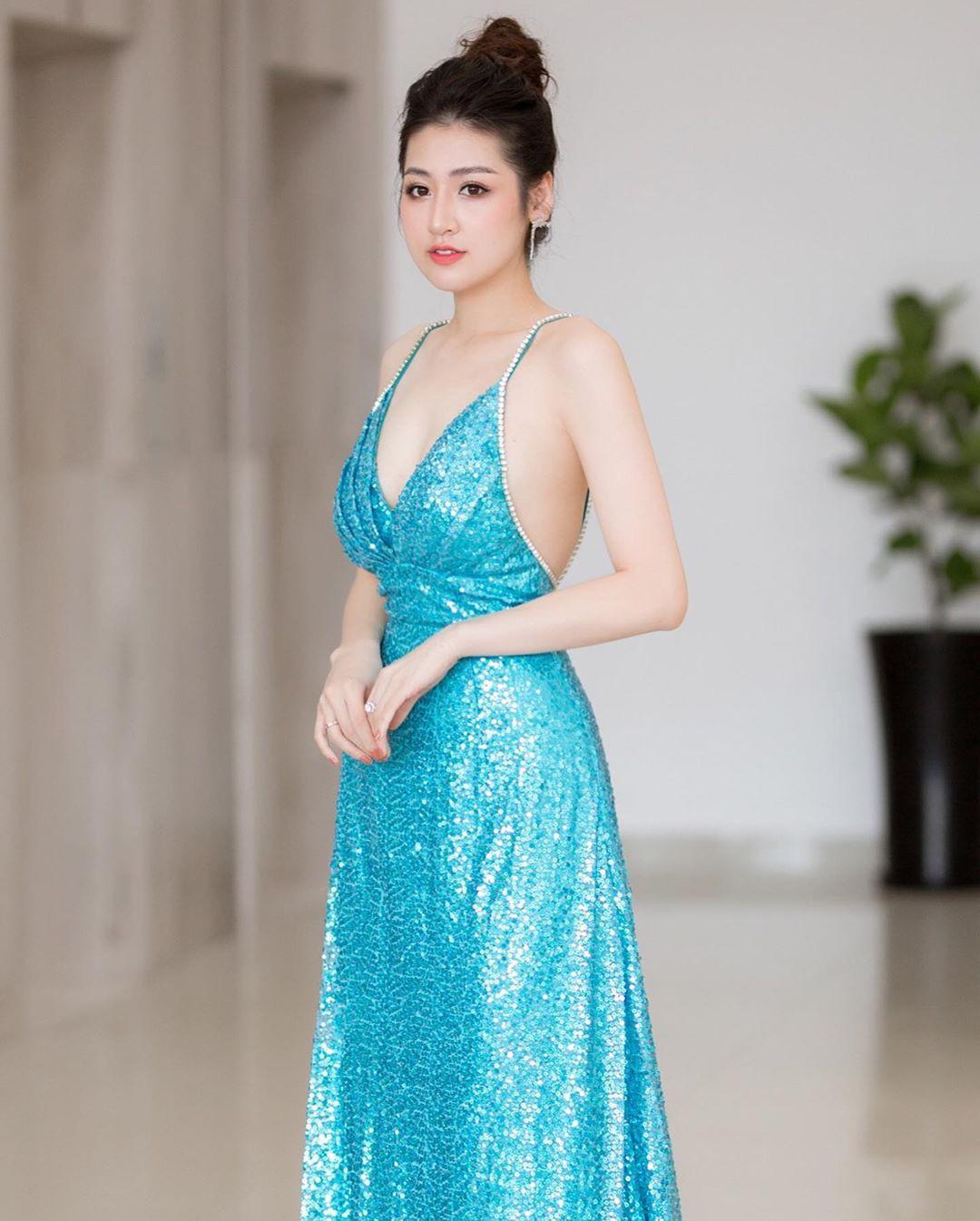 Đã đẹp còn khiêm tốn: Tú Anh diện váy quá lộng lẫy, nhưng cô lại nhận mình là phiên bản lỗi của nhân vật ai cũng biết - Ảnh 8.