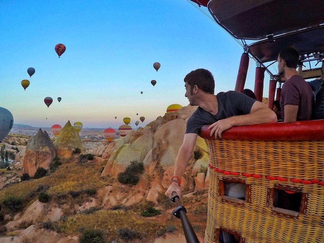 Travel blogger người Mỹ và bảng thành tích du lịch khủng: Đi 133 nước khi mới 26 tuổi, kiếm 25.000 USD mỗi tháng - Ảnh 4.