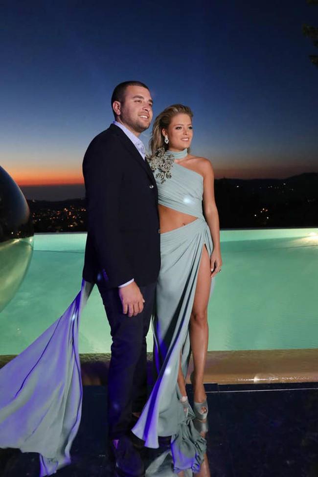 Không hổ danh con dâu nhà mốt Elie Saab: Được bố chồng dành tận 4 chiếc váy cưới Haute Couture, 1 trong số đó độc bản tráng lệ - Ảnh 12.