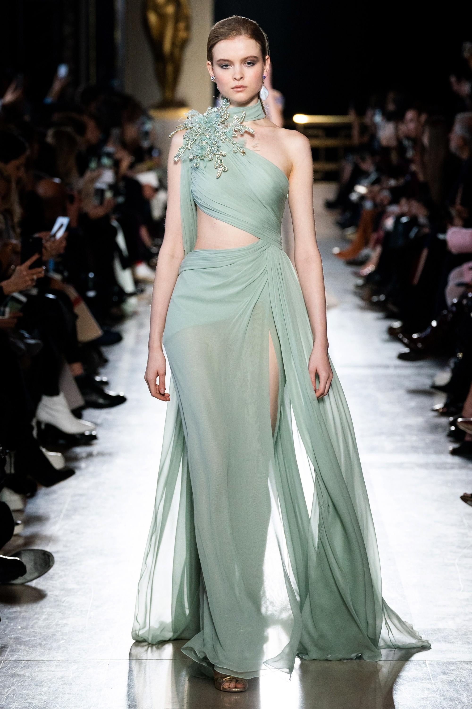 Không hổ danh con dâu nhà mốt Elie Saab: Được bố chồng dành tận 4 chiếc váy cưới Haute Couture, 1 trong số đó độc bản tráng lệ - Ảnh 13.