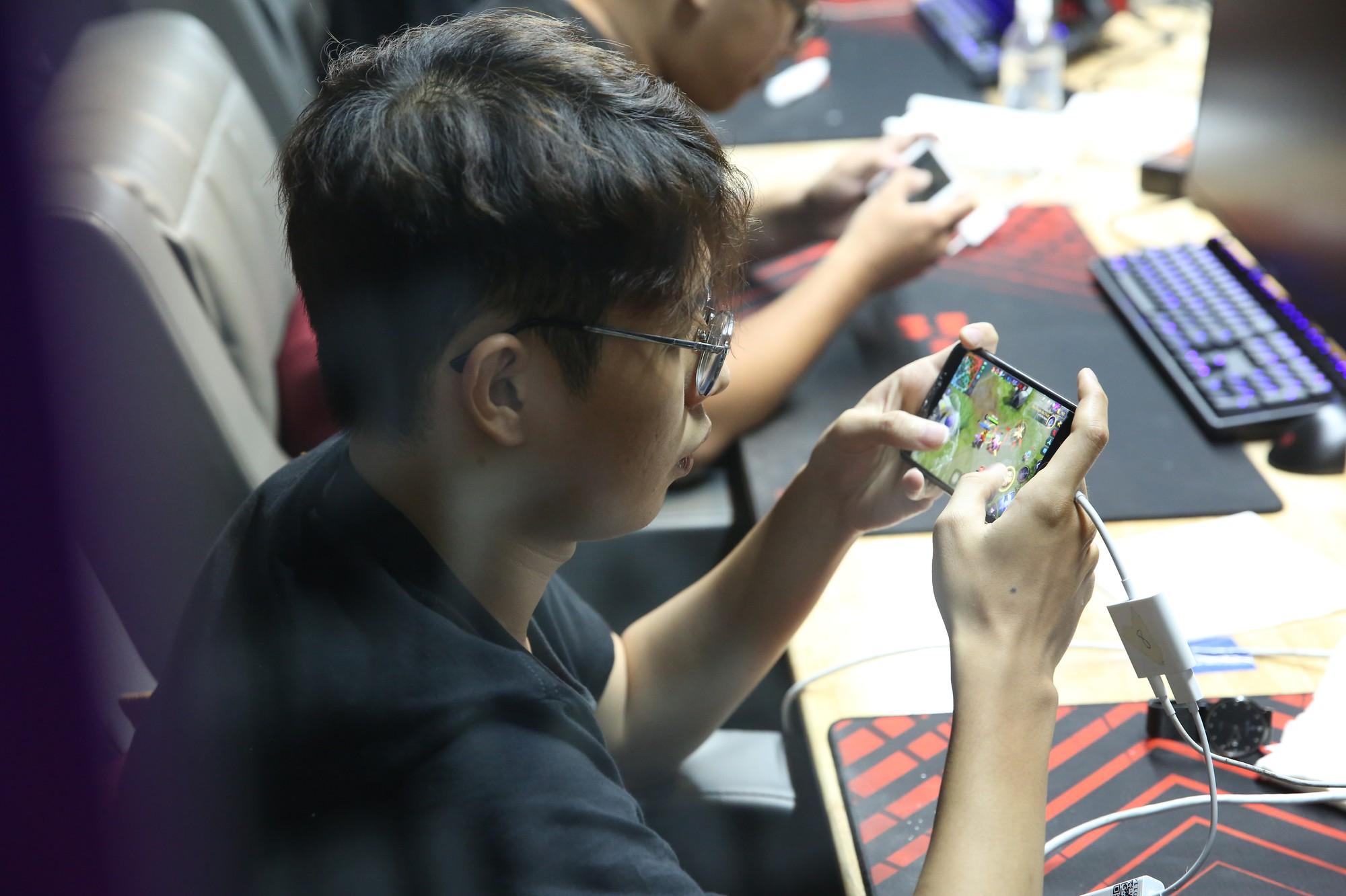 """Game thủ không còn là những """"đứa trẻ hư hỏng"""": Có một thế hệ như OverClockerSđang làm rạng danh nền eSports Việt Nam - Ảnh 3."""