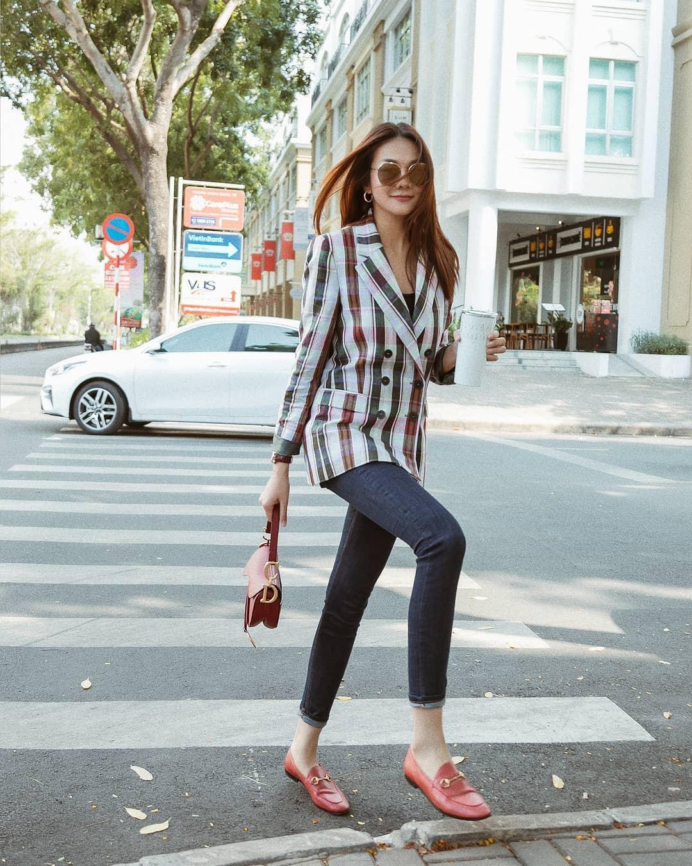 Ăn mặc sành điệu là phải chọn chuẩn từ giày dép: 5 gợi ý từ sao Việt giúp bạn hoàn thiện tủ giày 100% thời thượng - Ảnh 15.