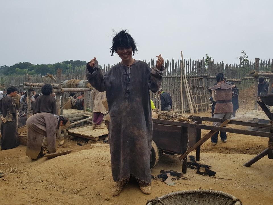 HOT: Có diễn viên người Việt trong bom tấn Arthdal Niên Sử Kí của Song Joong Ki! - Ảnh 4.