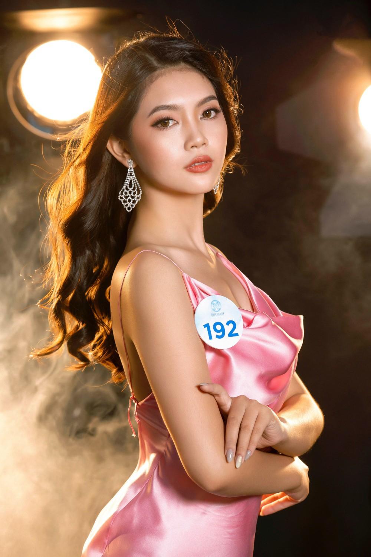 Cận cảnh sắc vóc thí sinh Miss World Việt miền Bắc: Hội chân dài 10x áp đảo, 2 nữ sinh 2001 hứa hẹn bùng nổ - Ảnh 16.