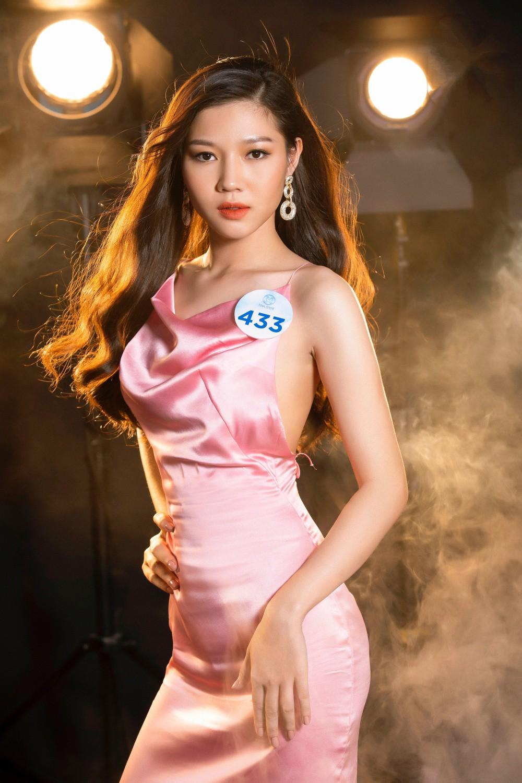 Cận cảnh sắc vóc thí sinh Miss World Việt miền Bắc: Hội chân dài 10x áp đảo, 2 nữ sinh 2001 hứa hẹn bùng nổ - Ảnh 6.