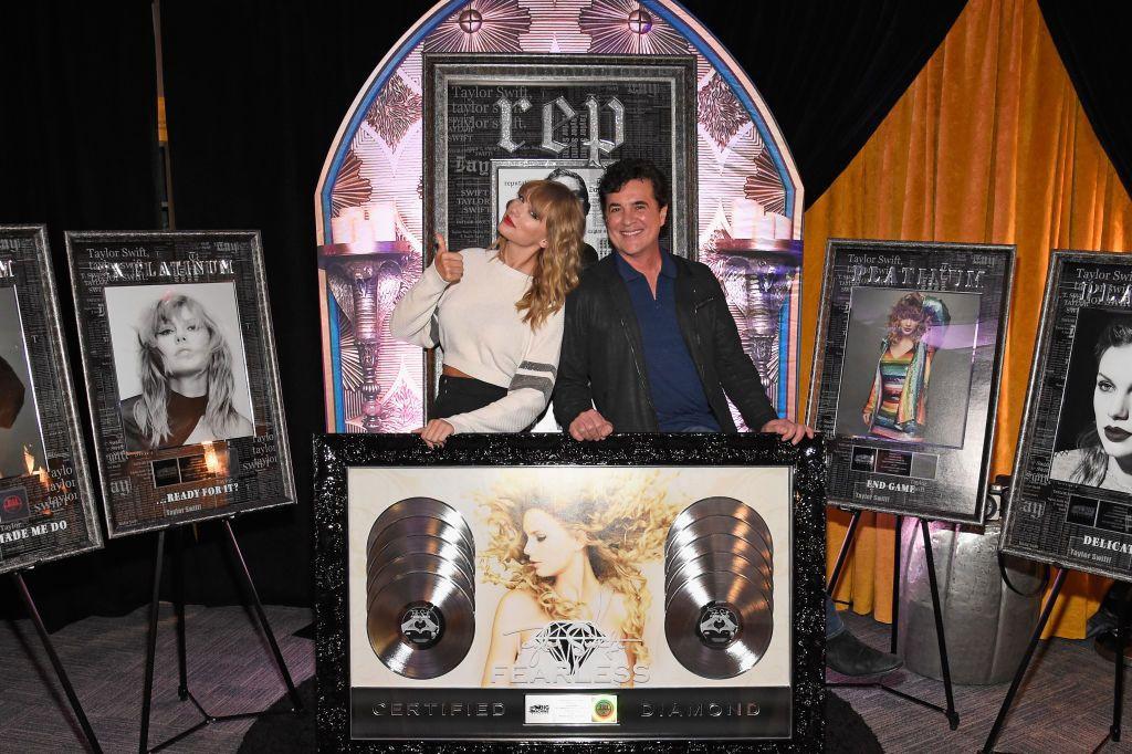 """Phải chăng Taylor Swift từng ám chỉ việc bị tước đoạt gia tài âm nhạc ngay từ album """"reputation""""? - Ảnh 4."""