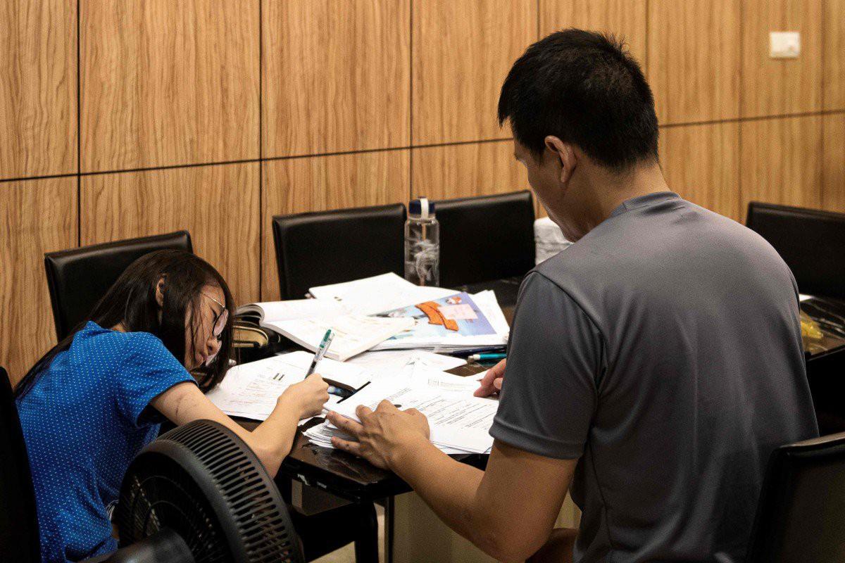Học sinh rối loạn lo âu từ mẫu giáo, tự tử vì áp lực xuất sắc là cái giá mà Singapore phải trả để đứng đầu BXH giáo dục thế giới - Ảnh 6.