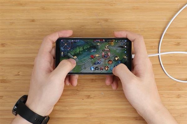 Giải phẫu cáp sạc iPhone hàng giả và hàng xịn, đừng bao giờ tiếc tiền cho phụ kiện công nghệ này - Ảnh 7.