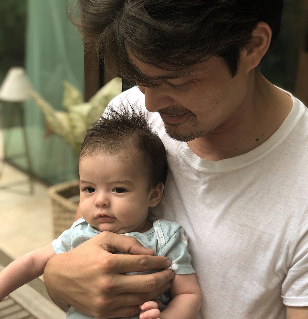 Vợ chồng mỹ nhân đẹp nhất Philippines khoe ảnh mới của 2 con, dân tình chỉ biết thốt lên: Gen nhà này sao tốt thế! - Ảnh 2.