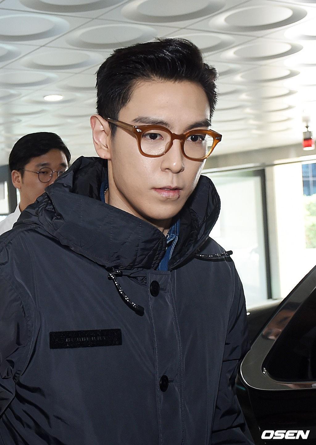 T.O.P (Big Bang) chính thức xuất ngũ sau 2 năm, xuất hiện với biểu cảm nghiêm trọng đáng chú ý - Ảnh 5.