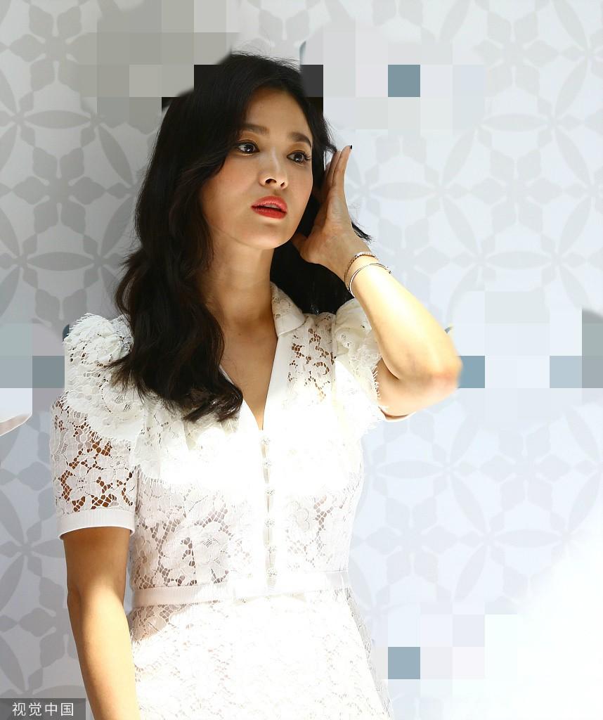 HOT: Song Hye Kyo lần đầu lộ diện sau vụ ly hôn ngàn tỷ, nhan sắc cực phẩm nhưng lại tiều tụy đến xót xa - Ảnh 11.