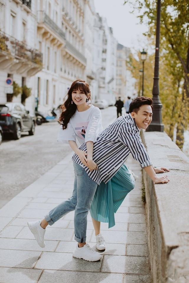 Tan chảy bộ ảnh Trấn Thành và Hari Won tại Paris: Khoá môi, tay trong tay cực ngọt, nhìn vào là muốn yêu ngay! - Ảnh 2.