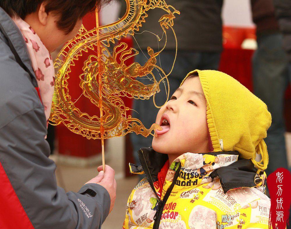 Vẽ rồng vẽ phượng chỉ từ... đường để tạo nên những chiếc kẹo ngọt ngào, ẩm thực Trung Quốc quả là tài tình - Ảnh 7.