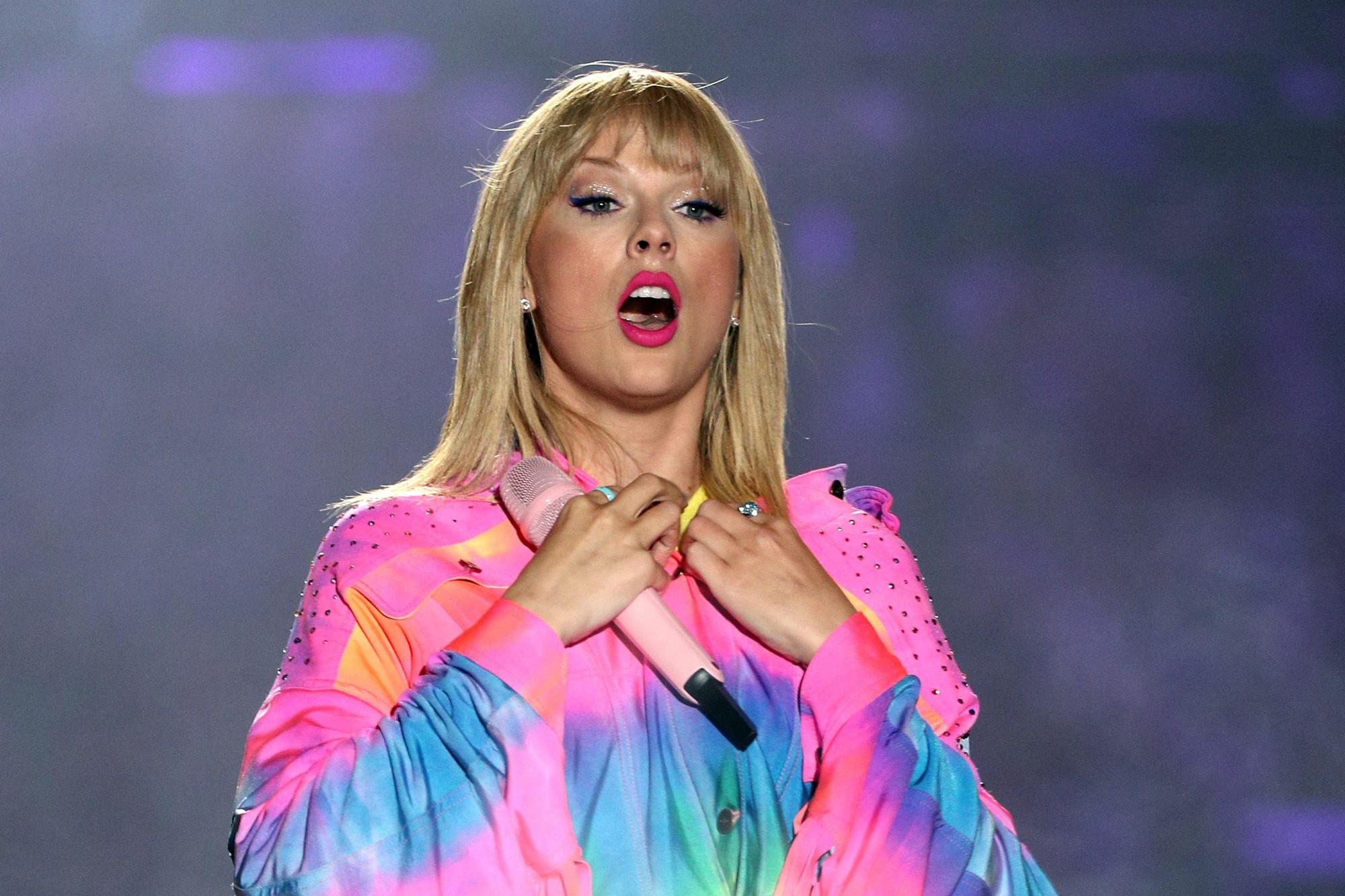 Taylor Swift dành cả thanh xuân để hầu toà: Từ xù tiền hợp đồng, quịt cát sê đến đạo nhạc - Ảnh 5.