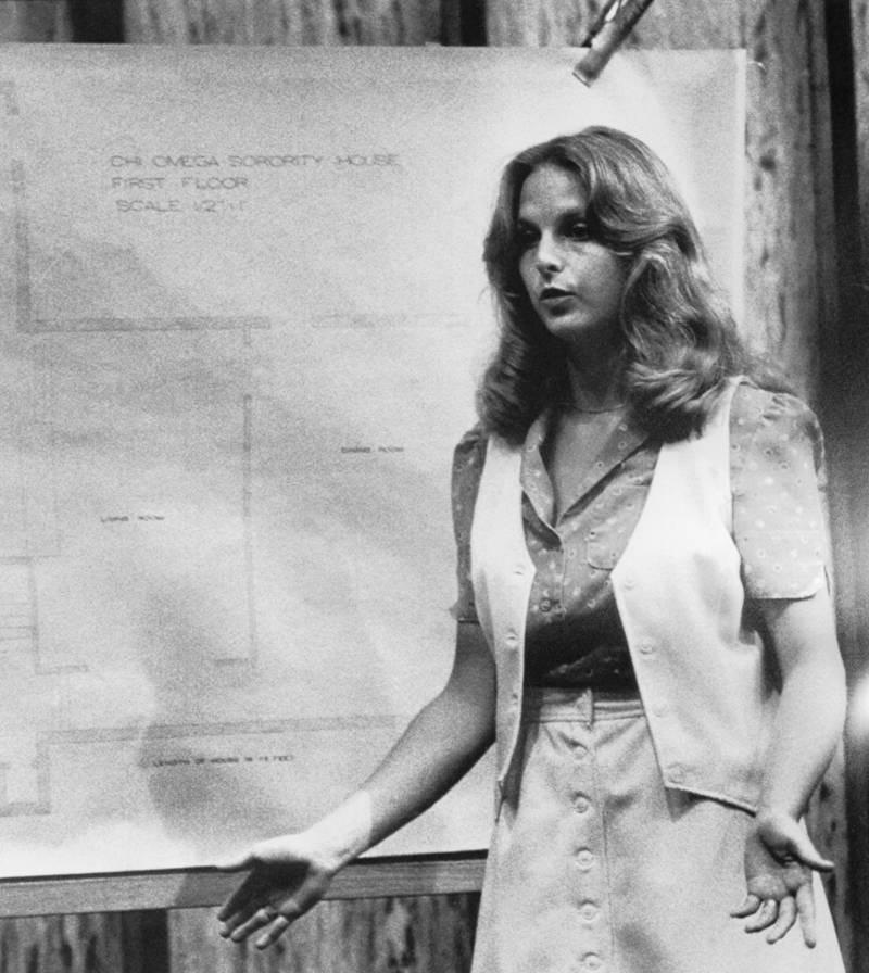 Ted Bundy: Đằng sau vẻ đẹp trai của sinh viên luật tài hoa là tên sát nhân khét tiếng, giết hơn 30 cô gái có ngoại hình giống bạn gái cũ - Ảnh 7.