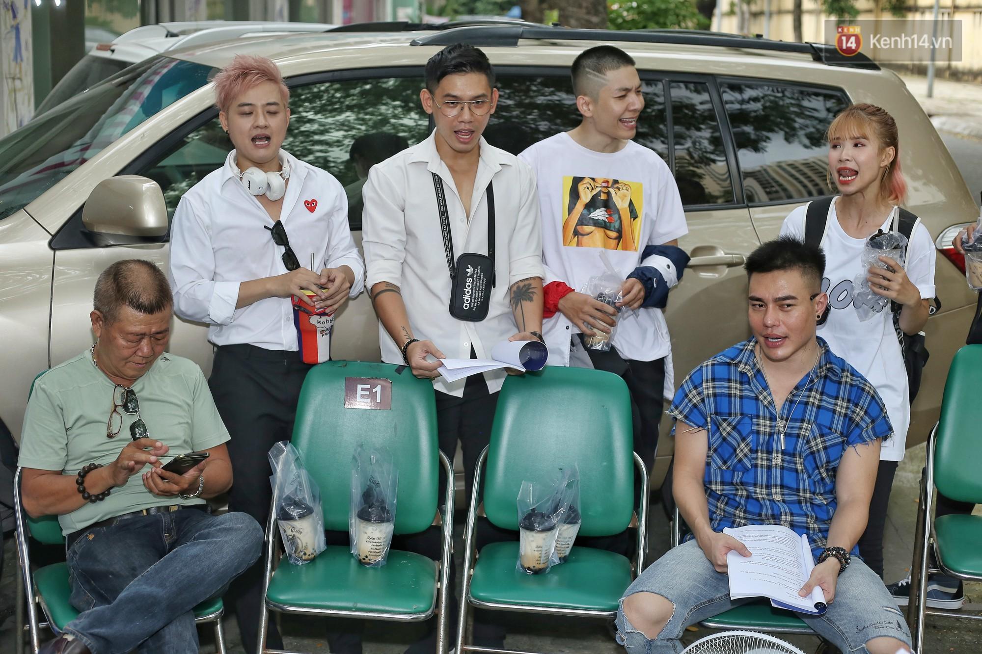 Hoài Lâm chính thức lộ diện sau nửa năm giải nghệ, cùng vợ chồng Khởi My tập luyện trước thềm liveshow Hoài Linh - Ảnh 5.