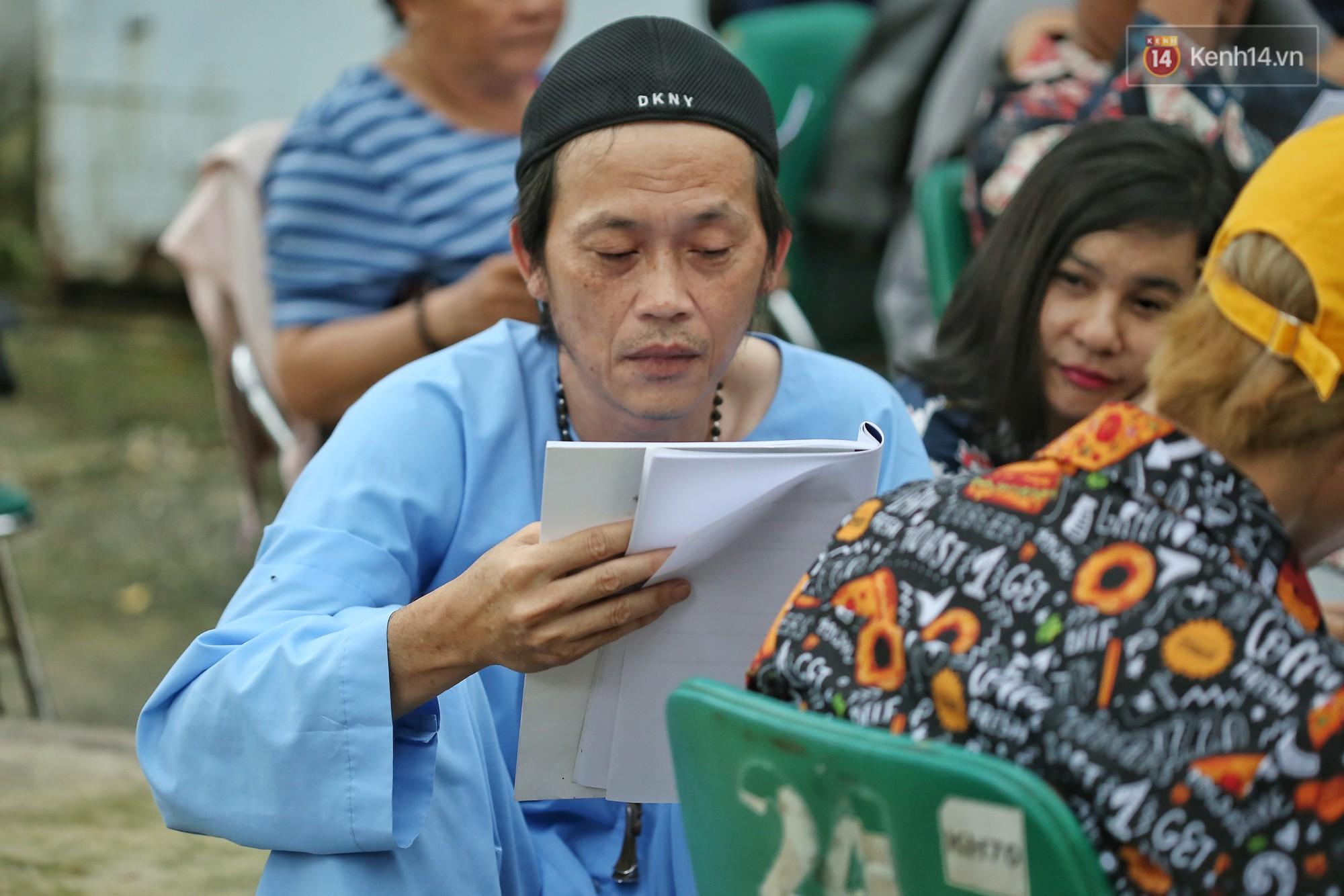 Hoài Lâm chính thức lộ diện sau nửa năm giải nghệ, cùng vợ chồng Khởi My tập luyện trước thềm liveshow Hoài Linh - Ảnh 7.
