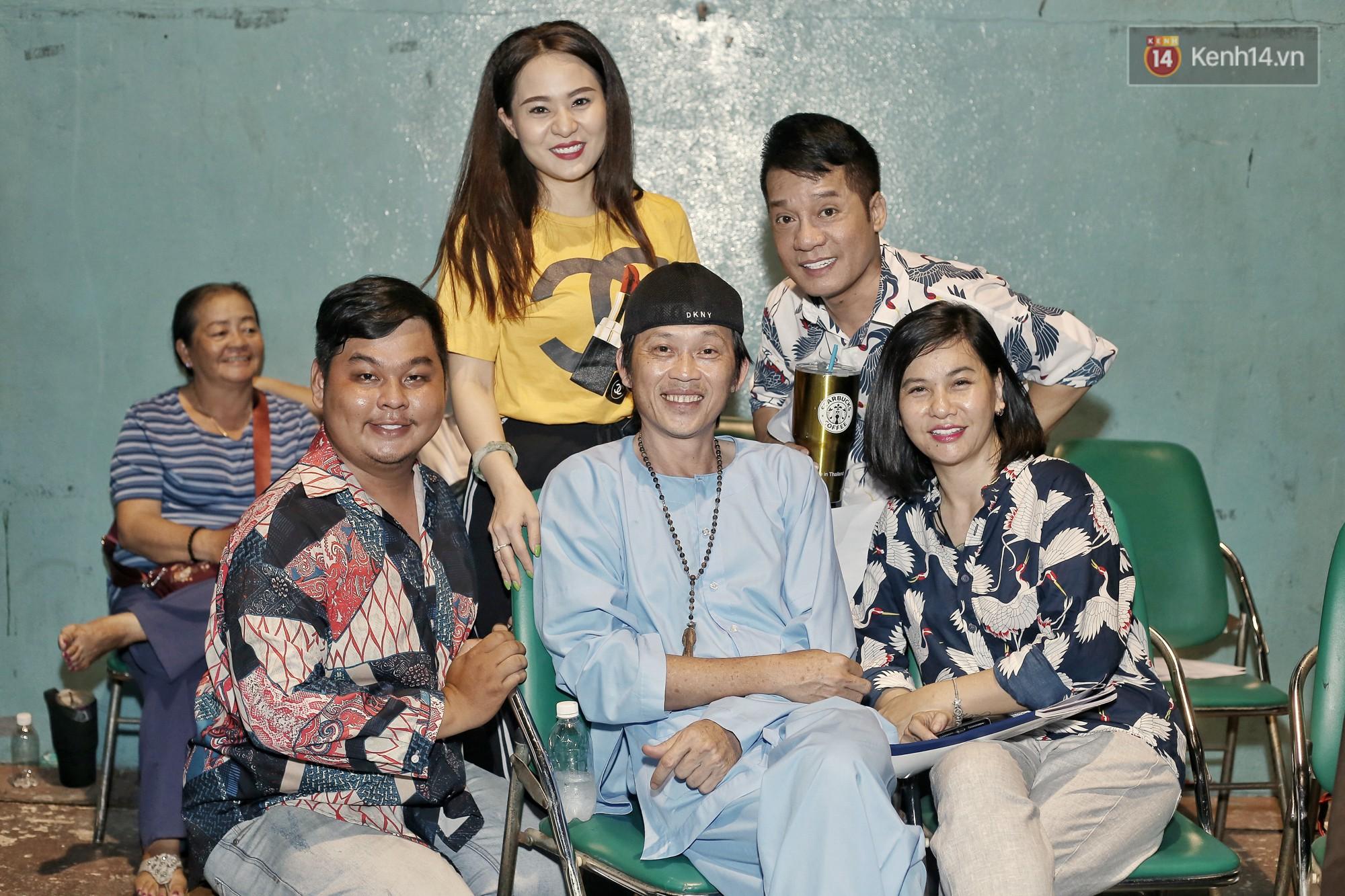 Hoài Lâm chính thức lộ diện sau nửa năm giải nghệ, cùng vợ chồng Khởi My tập luyện trước thềm liveshow Hoài Linh - Ảnh 10.