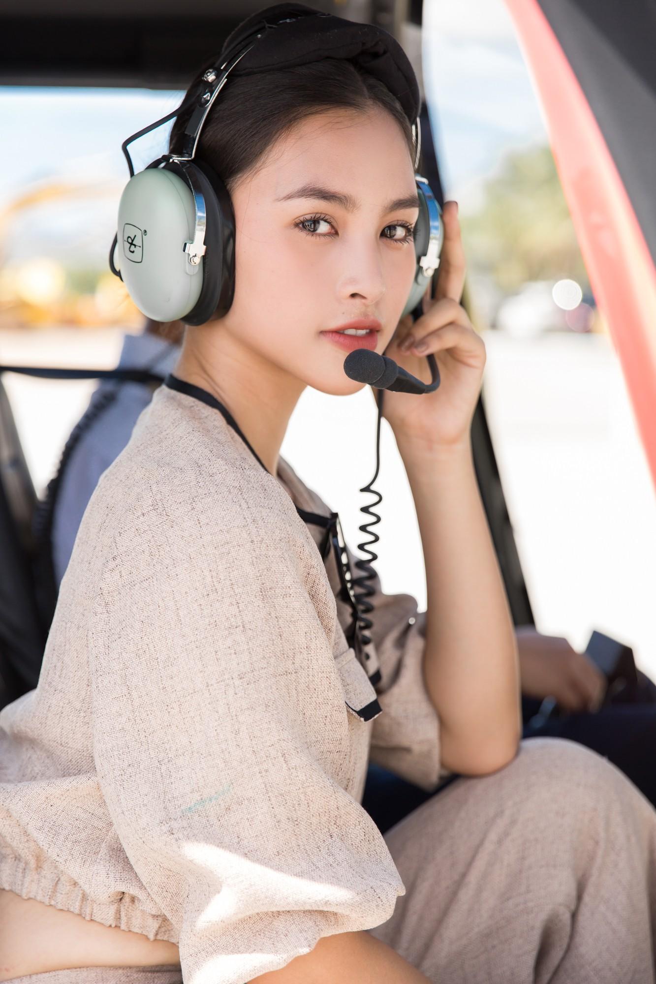 Sau tin đồn có bạn trai, Đỗ Mỹ Linh tươi tắn xuất hiện đồng hành cùng thí sinh Miss World Việt trước đêm thi quan trọng - Ảnh 5.
